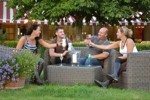 reiturlaub-terrasse-sommer