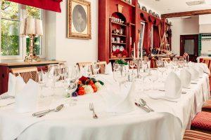 hochzeit-dekoration-restaurant-location