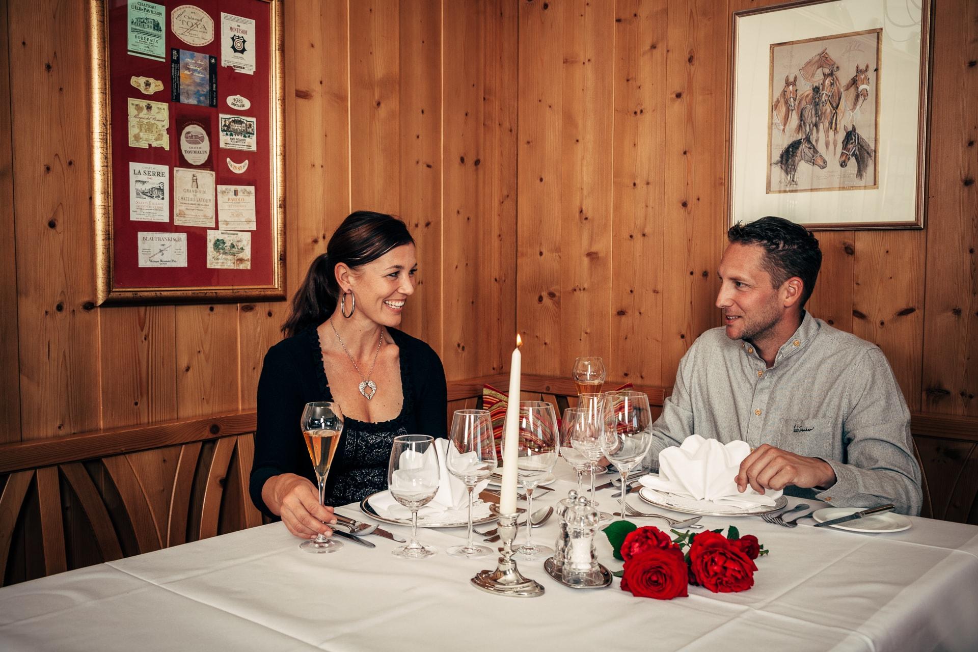 dienstlgut-candle-light-dinner
