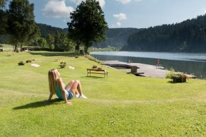 badeurlaub-see-familie-sommer