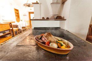 kärntnerküche-fleischgericht-sommer