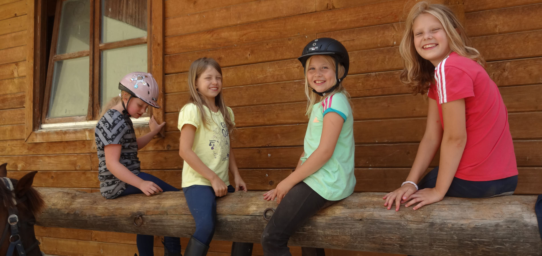 kinderreitcamp-reiturlaub-pferde-sommer